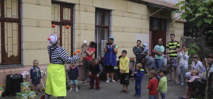 Молодежный актив епархиального отдела по благотворительности и социальному служению организовал праздничную развлекательную программу для пациентов детских отделений Одесского областного диспансера и медицинского центра психического здоровья