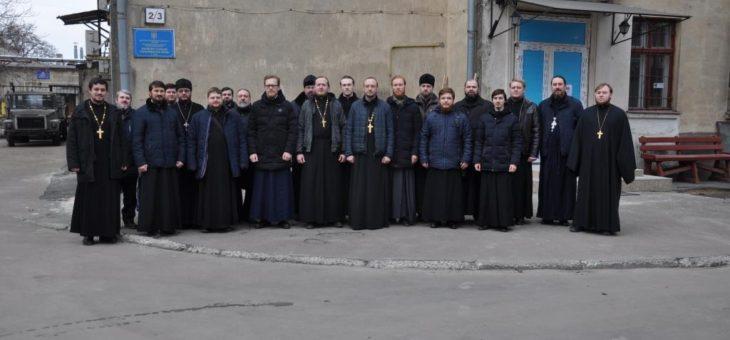 Священнослужители Одесской епархии Украинской Православной Церкви приняли участие в благотворительной акции по сдаче крови для детей страдающих тяжелыми заболеваниями